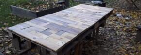 Kerti asztal raklapokból